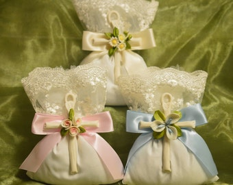 Favor bag Flowers Almond  favors Jordan almonds flowers Baptism Christening with Capodimonte cross Favors First Communion Bomboniere AF1518