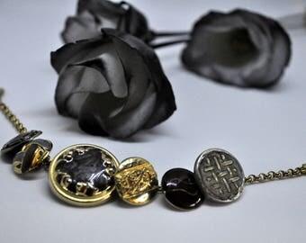 Vintage buttons bracelet - vintage button jewellery - vintage button