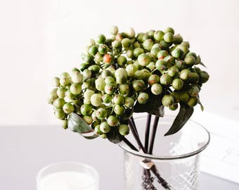 5pcs Green Berry Berries Fruits Real Touch Silk Flower Silk Flowers for DIY Wedding Bridal Bouquet Boutonniere Corsage