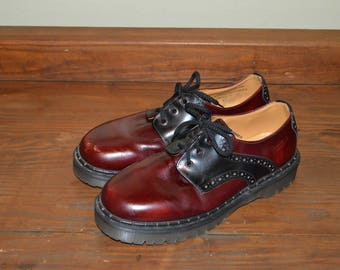 Men US 11 UK 10 Dr Martens Airware Black and Red Leather Shoes--Made in England