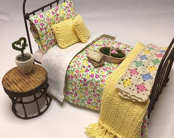 Miniature Dollhouse Duvet Bedding Set - Yellow and Fuchsia Flowers - Twin Size