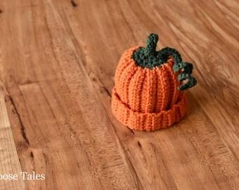 Pumpkin Newborn Crochet Hat, Newborn Pumpkin Hat, Crochet Newborn Hat, Pumpkin Photo Prop, Baby Photo Prop, Newborn Photo Prop, Pumpkin Baby