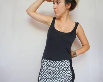 mini skirt stretch black and white geometric pattern