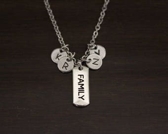 Family Necklace - Family Initials Necklace - Family Birthstones Necklace - Grandma Necklace - Mom Necklace - Family Christmas Gift - Bst/In