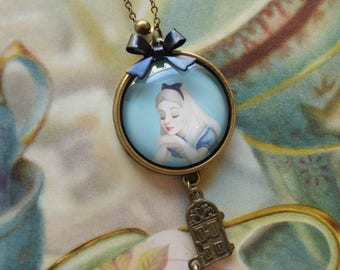 "Necklace ""Alice in Wonderland of"" light blue"