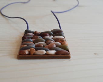 Beach pebble necklace - copper