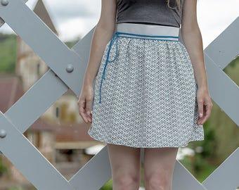 Jupe courte Lili bleue grise avec cordon bleu et zip short skirt with blue cord bohème hippie