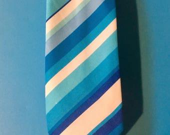 Skinny Men's Necktie Blue Striped Nautical