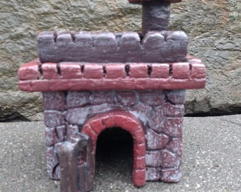Reptile Cave / Hide / Castle perfect for a Gecko or other small reptile
