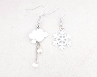 Cloud and snow - winter snowflake earrings