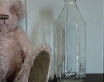 Vintage Feeding Pyrex Glass Baby Milk Bottle