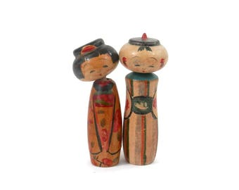 pair  Kokeshi Dolls Nodder Bobbleheads Hand Painted Turned Wood Doll with Original Box
