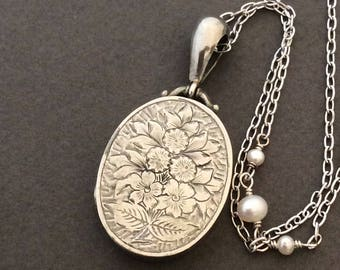 Antique Silver Victorian Forget Me Nots and Roses Locket Necklace