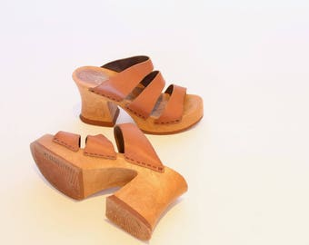 Vintage Leather Platforms Sandals 90's Slip On Heels Chunky Heels Size 7.5/8 Women's Shoes Italian Leather