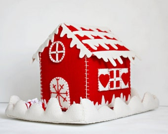 christmas felt house, christmas felt box, christmas candy box, christmas gift, christmas felt ornament, winter felt cottage, tiny felt case