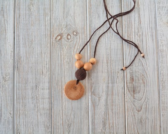 Simple pendant nursing necklace for  breastfeeding & babywearing mom, Crochet teething necklace