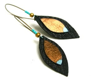 Shuttles black leather and bronze earrings, brass hooks, lacquer mint, gold and mint turquoise beads