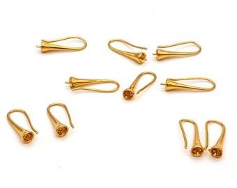 10 Golden trumpets hooks earrings