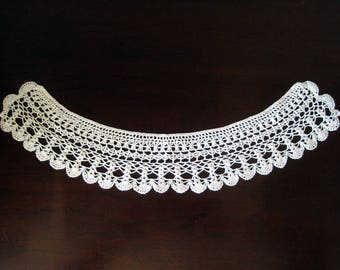 Vintage Crocheted White Collar