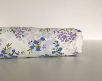 Vintage Double Bed Flat Sheet Floral Pattern Repurpose Sewing Fabric