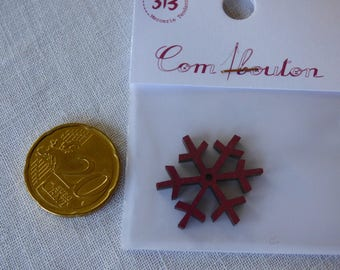 Wooden snowflake red collar button