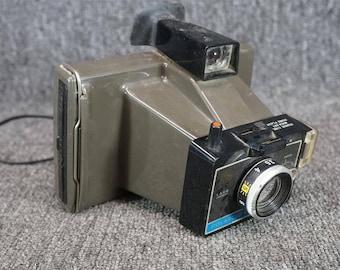Polaroid 1969 Colorpack II Land Camera