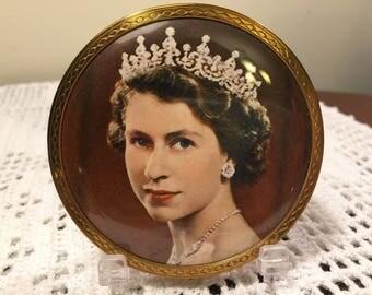 Queen Elizabeth coronation mirror compact - vintage compact - vintage mirror compact - Queen Elizabeth - 1953 coronation compact - rare