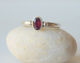 Sterling Silver Garnet Ring, Vintage Garnet, January Birthstone Ring,  Minimalist Garnet Ring, Retro Garnet Jewelry Size 6 Girls Ring