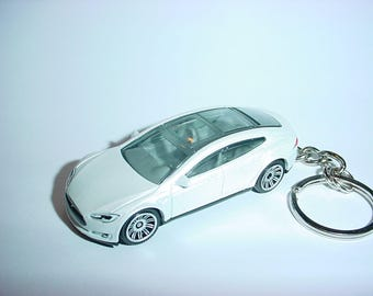 3D Tesla Model S custom keychain by Brian Thornton keyring key chain finished in artic white trim electric car awd models