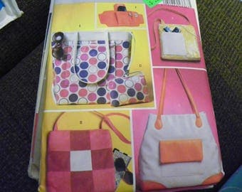 Sewing Pattern - Butterick B5475 - Two Bags, Two Totes, Wrist Wallet, And Case - Purses