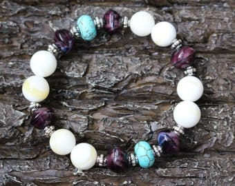 Bracelet turquoise, shell beads, purple glass
