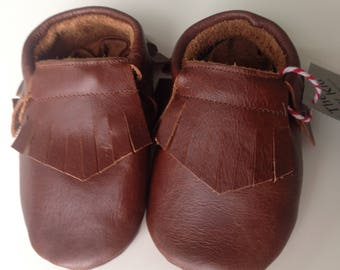 Genuine leather moccasins in chocolate