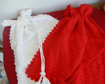 2 handmade hand crochet bread sandwich food bags red and white