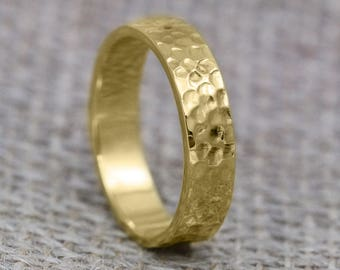 7mm Flat Profile 18ct Gold 'Suisgill' Wedding Ring