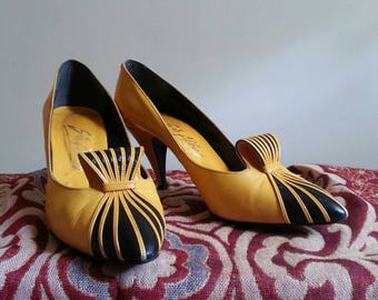 Yellow Vintage Shoes Heels