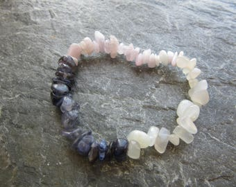 The special love bracelet! Stretch bracelet, kunzite, moostone, iolite, chips beads, Reiki infused