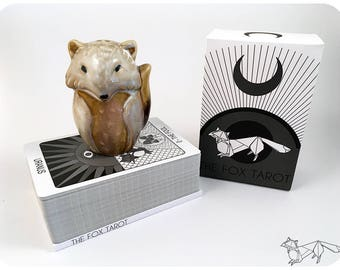THE FOX TAROT 78 Card Deck with 94 Page Guidebook
