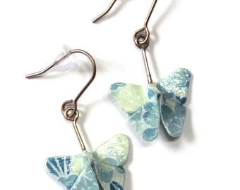 Boucles d'oreilles pendantes en origami papillons, magnifique papier japonais bleu clair à motifs