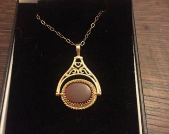 Vintage 9ct Gold Bloodstone And Carnelion Spinner Fob / Pendant and 9ct gold chain