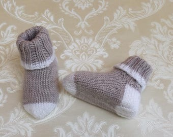 Baby socks, baby shoes, handknitted, beige-
