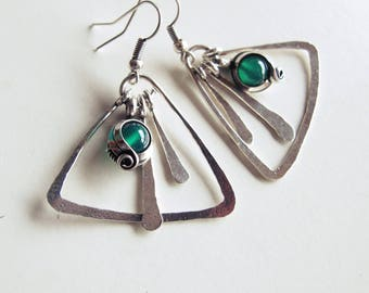 ethnic geometric earrings - triangle - green agate-