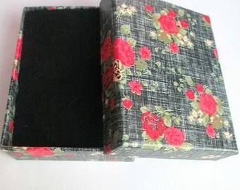 1 flower 9x7x3cm pattern black jewelry box