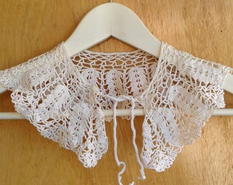 Romantic collar, collar 60 years, white cotton crochet lace collar, vintage