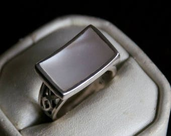 ON SALE Vibrant MOP Silver Ring