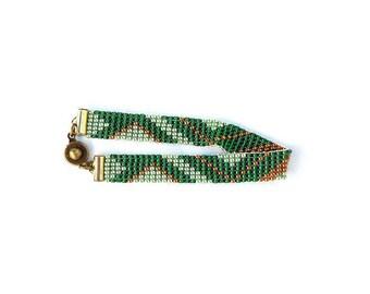 Bracelet miyuki beads woven graphics (dark green, red, bronze, light green and old pink)