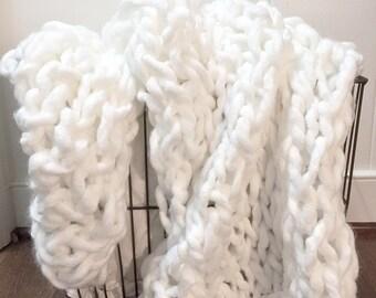 The Mini Bella Knit Throw