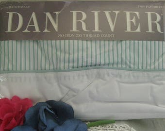 Vintage Twin Flat Sheet ~~ Dan River NIP Twin Flat Bed Sheet ~~ No Iron Extracale Twin Flat Bed Sheet