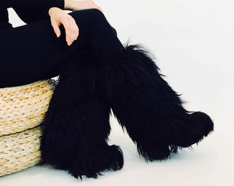 vintage furry snow boots - Italian snow bunny boots - waterproof fur platform boots - tall shearling lined boots - Women's Size 7 - euro 37