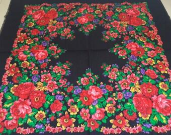Ukrainian festival black shawl, floral black russian shawl, chale russe, vintage russian shawl, Pavlovo Posad shawl, russian shawl