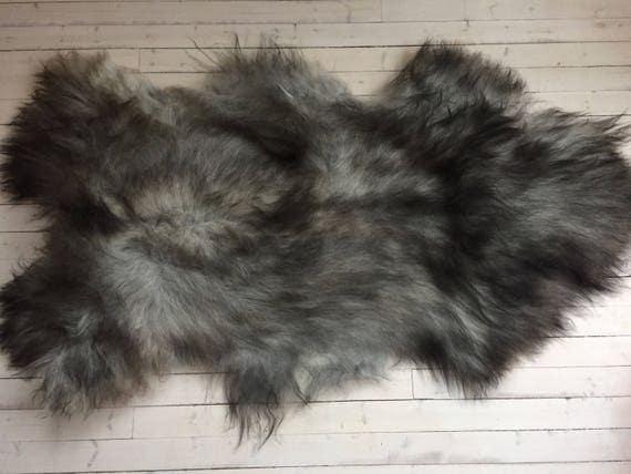 Rugged, long haired, LARGE sheepskin rug spael sheep throw grey 17205